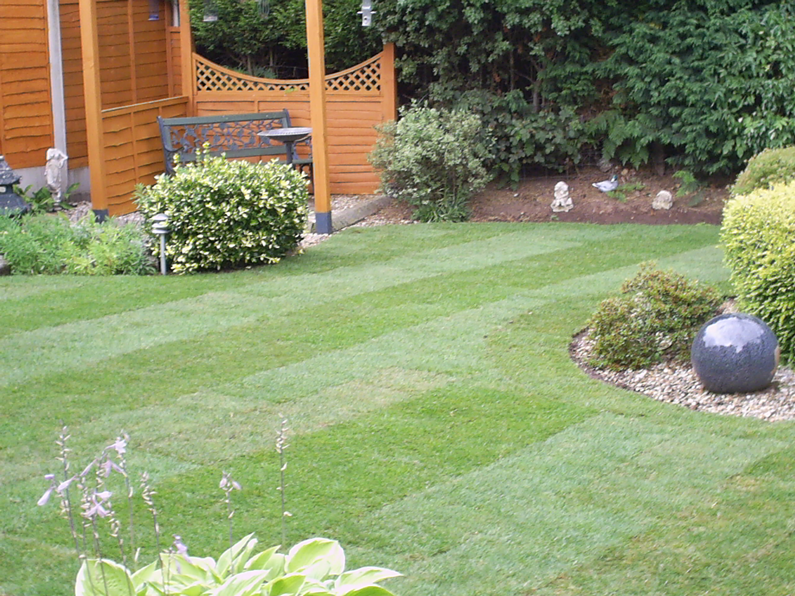 Garden Landscaping Kidderminster : Dixons landscapes lawn and patio
